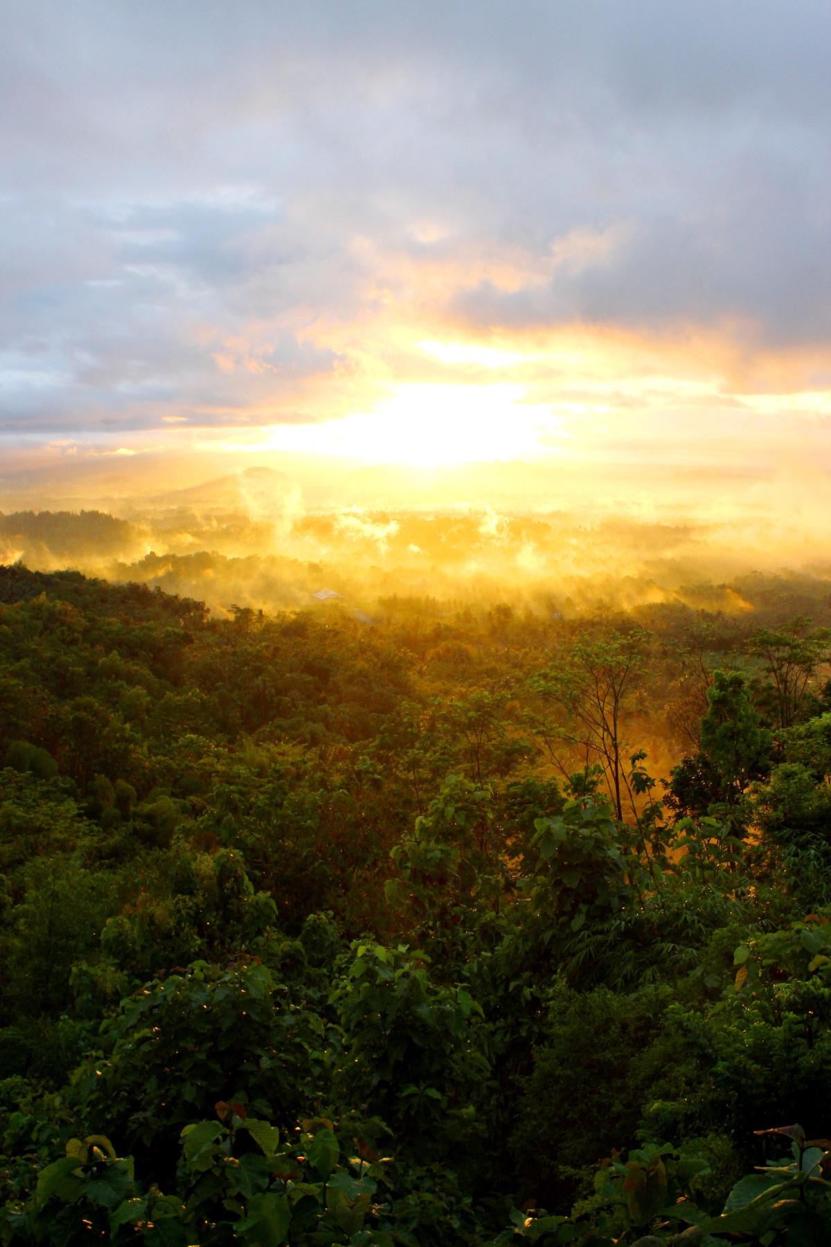 Sunrise fron Setumbu