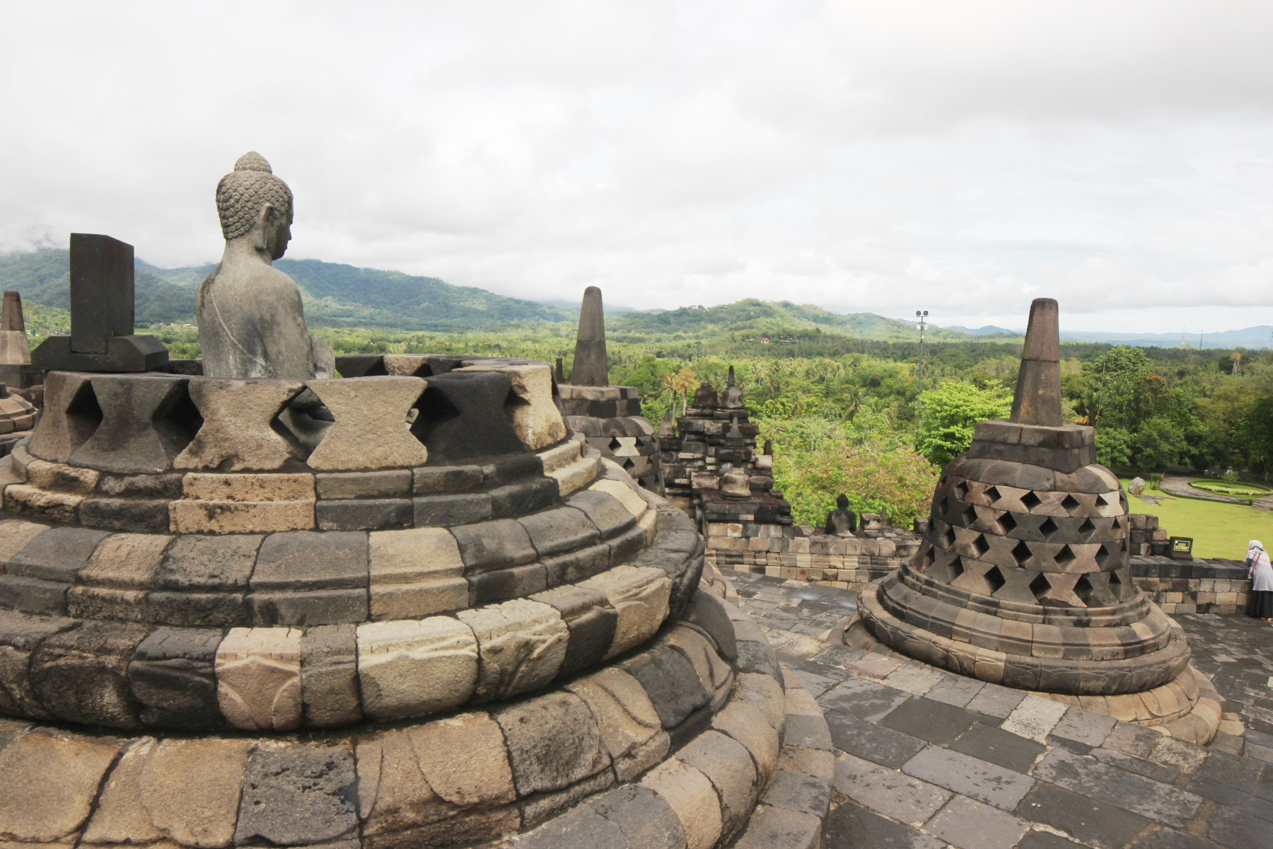 Sightseein from the top of Borobudur